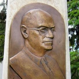 Matolcsy Sándor-emlékmű