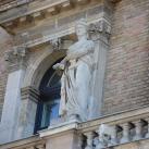 Az egykori Fővámház, a mai Budapesti Corvinus Egyetem főépületének díszítőszobrai III.