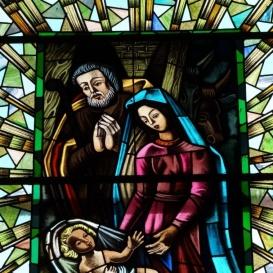 Római katolikus templom üvegablakai