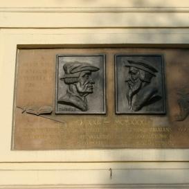 Zwingli és Kálvin reliefje