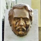Lahner György fejszobra
