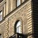 A volt MÁV-bérház sgraffitoi