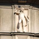 A bécsi Hotel Bristol homlokzatának allegorikus díszítőfigurái