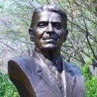 Ronald Reagan mellszobra