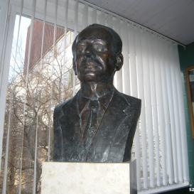 Dr. Velkey László