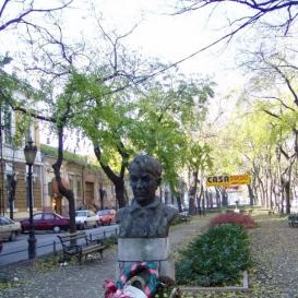 Kosztolányi-szobor