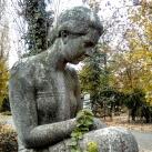 Telegdi-Róth Jenőné sírszobra