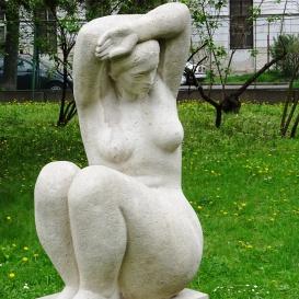 Ülő nő