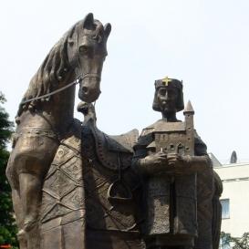 Szent István király lovasszobra