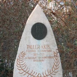 Pauler Ákos-emlékmű