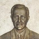 Dr. Manninger Jenő domboműves emléktáblája