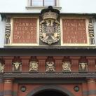 Svájci kapu diszítményei
