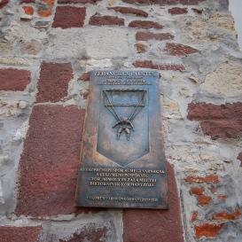 Verancsics Faustus domborműves emléktáblája