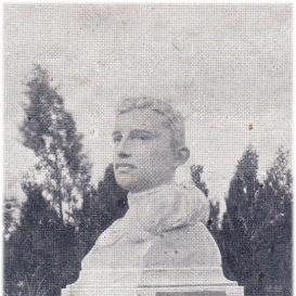 IV. Károly mellszobra