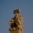 Szentháromság-oszlop Szent Mihály arkangyal ábrázolással