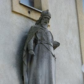 Pusztaszabolcsi Szent Imre-templom oromdíszei
