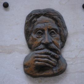 Tábori György domborműves emléktáblája