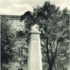 Lord Rothermere-emlékmű