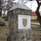 Országzászló Vértesszőlős címerével