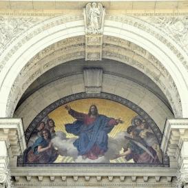 Szent István-bazilika: A felhőkön trónoló Krisztus