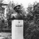 Zalka Máté-mellszobor