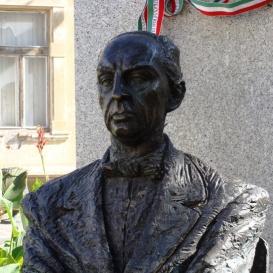 Márai Sándor-emlékmű
