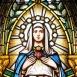A Mindenkor Segítő Szűz Mária plébániatemplom szentélyének üvegablakai