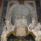 XI. Ince pápa síremléke