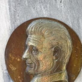 Vida Géza szobrász síremléke