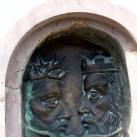 Jézust és Szent Istvánt ábrázoló szobor