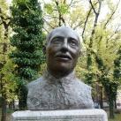 Raichle Ferenc mellszobra