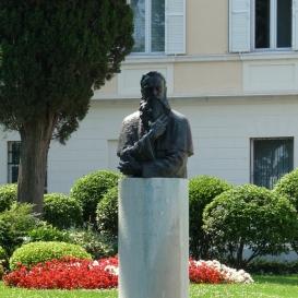 Pier Paolo Vergerio mellszobra