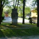 A két világháború teveli áldozatainak emlékműve