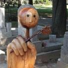 Kós Lajos bábművész síremléke
