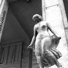 Táncosnő-szobor