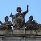A volt Királyi Ítélőtábla épületének szobordíszei