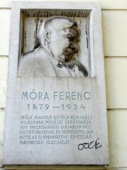 Móra Ferenc-emléktábla