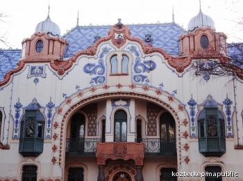 A Raichle-palota homlokzati díszei