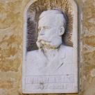 Thallmayer Viktor portrédomborműve