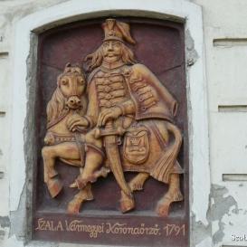 Szala vármegyei koronaőrző domborműve