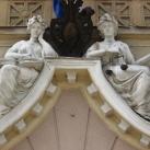Bíróság szobordíszei