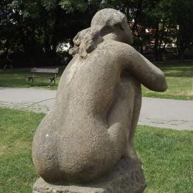 Ülő lány - Jarmila