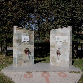 Iker-emlékmű