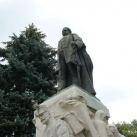 Csány László szobra