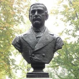 Jovan Gavrilović mellszobra