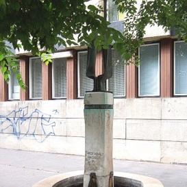 Füredi Mihály-emlékkút