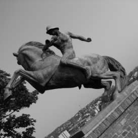 Az erdélyi kettes huszárok hősi emlékműve