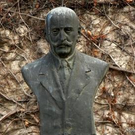 Baross László-mellszobor