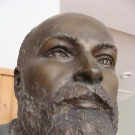 Dr. Kátai Gábor mellszobra