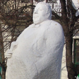 Dr. Rapcsák András-szobor